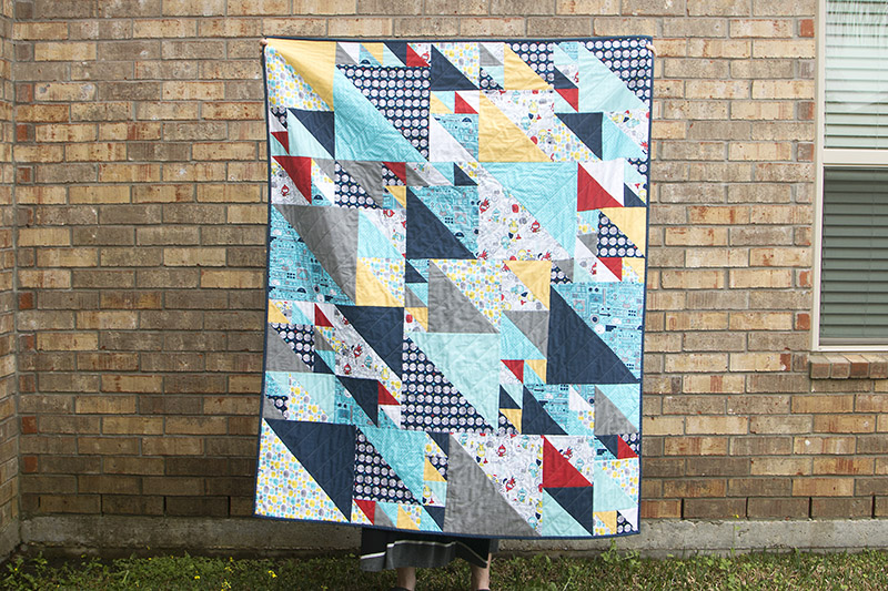 Triangles at Play Quilt / saroy.net